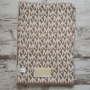 NWT Michael Kors Knit Scarf